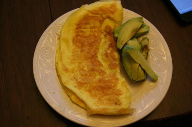 omelet avocado