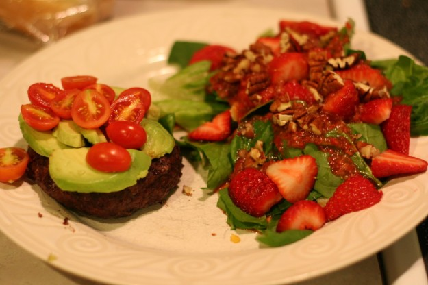 Paleo Burger Strawberry Pecan Salad